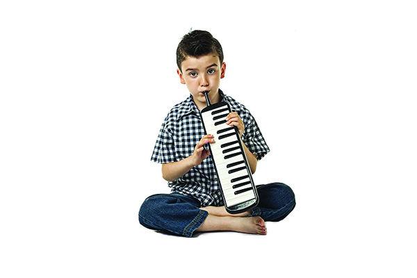 ملودیکا در آموزشگاه موسیقی