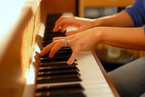 کلاس پیانو آموزشگاه منظومه