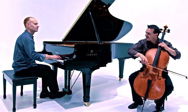 پیانو یا ویولن آموزشگاه موسیقی