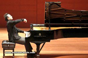 نحوه صحیح نشستن برای پیانو